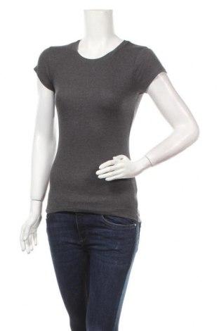 Дамска тениска Fb Sister, Размер M, Цвят Сив, 65% памук, 35% полиестер, 5% еластан, Цена 13,39лв.