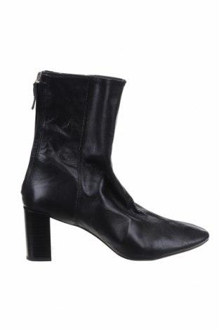 Дамски боти Zara, Размер 41, Цвят Черен, Естествена кожа, Цена 32,86лв.