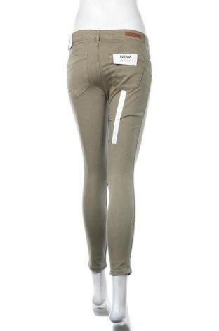 Дамски дънки Lft, Размер M, Цвят Зелен, 98% памук, 2% еластан, Цена 25,74лв.