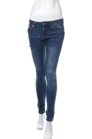 Дамски дънки Lois, Размер M, Цвят Син, 98% памук, 2% еластан, Цена 27,60лв.