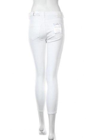 Дамски дънки ONLY, Размер S, Цвят Бял, 92% памук, 8% еластан, Цена 59,25лв.
