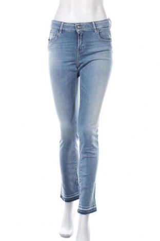 Дамски дънки Replay, Размер M, Цвят Син, 72% памук, 21% модал, 5% полиестер, 2% еластан, Цена 201,75лв.