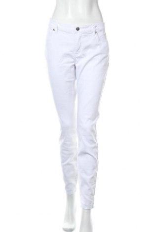 Дамски дънки Tamaris, Размер L, Цвят Бял, 98% памук, 2% еластан, Цена 59,25лв.