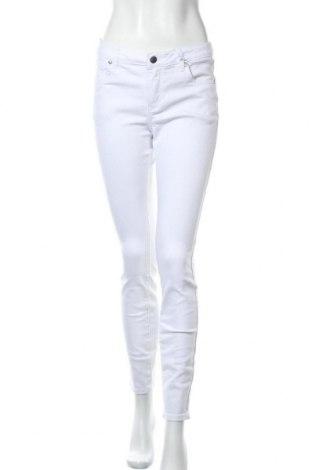 Дамски дънки Tamaris, Размер M, Цвят Бял, 98% памук, 2% еластан, Цена 33,82лв.