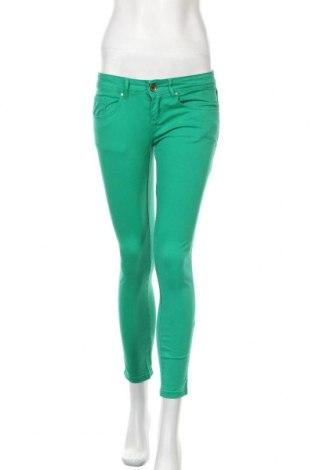 Дамски дънки Zara Trafaluc, Размер S, Цвят Зелен, Цена 19,72лв.