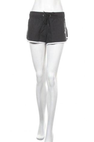 Дамски къс панталон Bench, Размер M, Цвят Черен, Полиестер, Цена 36,75лв.