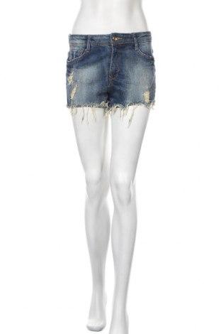 Γυναικείο κοντό παντελόνι Bershka, Μέγεθος M, Χρώμα Μπλέ, 98% βαμβάκι, 2% ελαστάνη, Τιμή 10,40€
