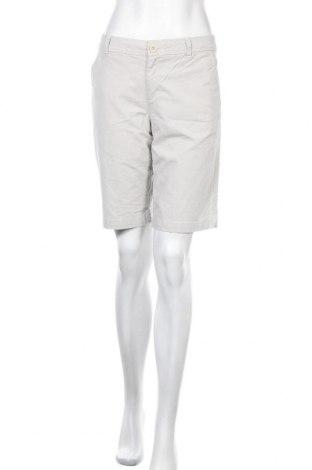 Дамски къс панталон Eddie Bauer, Размер M, Цвят Бежов, 98% памук, 2% еластан, Цена 11,76лв.