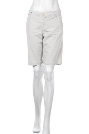 Дамски къс панталон Eddie Bauer, Размер M, Цвят Бежов, 98% памук, 2% еластан, Цена 19,32лв.