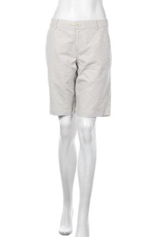 Дамски къс панталон Eddie Bauer, Размер M, Цвят Бежов, 98% памук, 2% еластан, Цена 21,00лв.