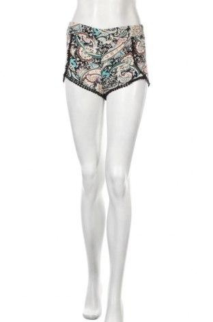 Γυναικείο κοντό παντελόνι One Love, Μέγεθος XS, Χρώμα Πολύχρωμο, Βισκόζη, Τιμή 4,09€