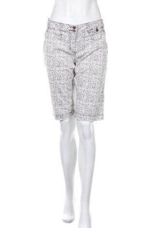 Γυναικείο κοντό παντελόνι Protest, Μέγεθος XL, Χρώμα Λευκό, Τιμή 10,52€