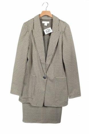Дамски костюм H&M, Размер XS, Цвят Многоцветен, 78% полиестер, 20% вискоза, 2% еластан, Цена 51,00лв.