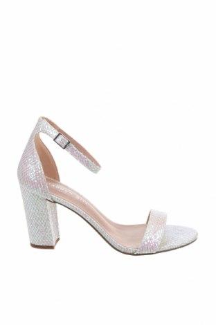 Дамски обувки Madden Girl, Размер 38, Цвят Многоцветен, Текстил, Цена 76,05лв.