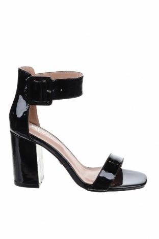 Γυναικεία παπούτσια Tata, Μέγεθος 36, Χρώμα Μαύρο, Πολυουρεθάνης, Τιμή 17,79€