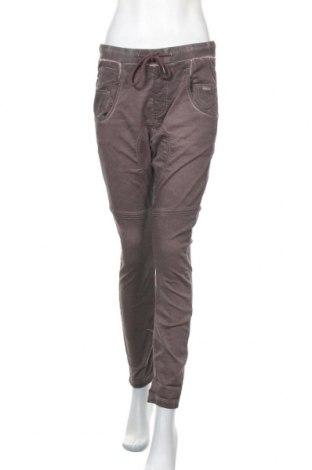 Дамски панталон Gang, Размер S, Цвят Кафяв, 58% памук, 20% полиестер, 20% вискоза, 2% еластан, Цена 25,35лв.
