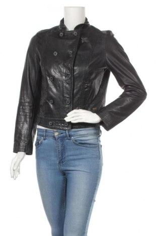 Дамско кожено яке Levi's, Размер S, Цвят Черен, Естествена кожа, Цена 99,00лв.