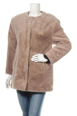 Дамско палто Zara Trafaluc, Размер S, Цвят Бежов, Полиестер, Цена 41,58лв.