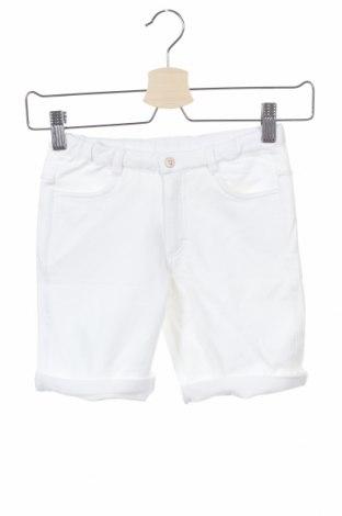 Παιδικό κοντό παντελόνι Tutto Piccolo, Μέγεθος 5-6y/ 116-122 εκ., Χρώμα Λευκό, 95% βαμβάκι, 5% ελαστάνη, Τιμή 9,80€