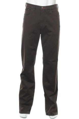 Мъжки панталон Bogner, Размер L, Цвят Кафяв, 98% памук, 2% еластан, Цена 114,92лв.