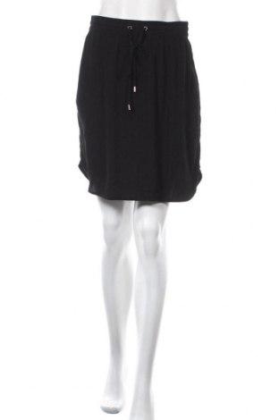 Пола Saint Tropez, Размер S, Цвят Черен, 100% вискоза, Цена 4,99лв.