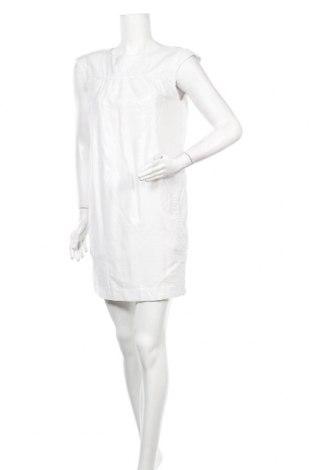 Рокля Selected Femme, Размер M, Цвят Бял, 65% вискоза, 35% полиестер, Цена 28,56лв.