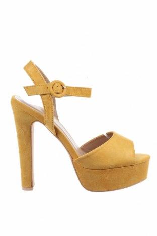 Σανδάλια Tata, Μέγεθος 39, Χρώμα Κίτρινο, Κλωστοϋφαντουργικά προϊόντα, Τιμή 20,36€