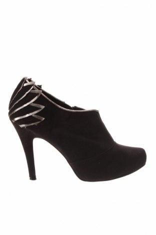 Дамски обувки B&CO