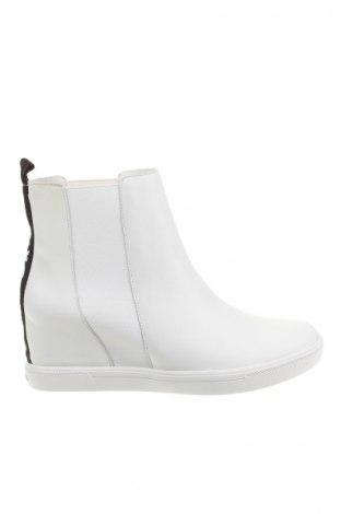 Dámské topánky  Dkny