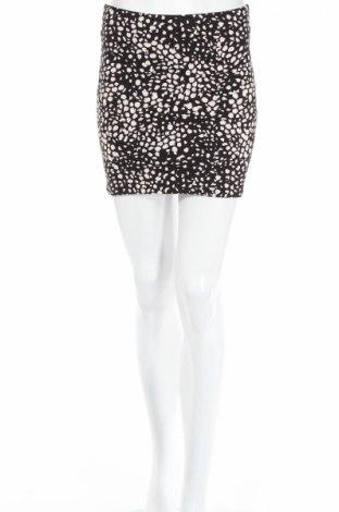 Пола H&M, Размер XS, Цвят Черен, 95% памук, 5% еластан, Цена 4,77лв.