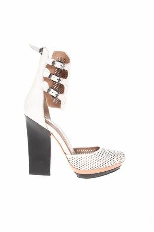 Дамски обувки BCBG Max Azria, Размер 39, Цвят Бял, Естествена кожа, Цена 127,60лв.