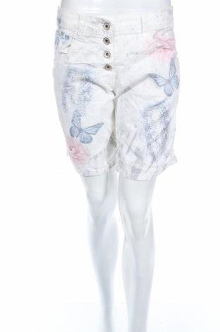 Дамски къс панталон, Размер L, Цвят Многоцветен, 72% памук, 26% полиестер, 2% еластан, Цена 17,85лв.