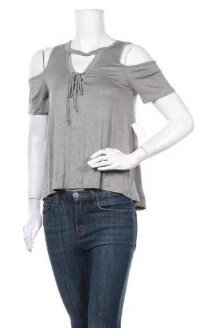 Дамска блуза Charlotte Russe, Размер S, Цвят Зелен, 95% вискоза, 5% еластан, Цена 19,32лв.