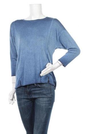 Дамска блуза Cable & Gauge, Размер M, Цвят Син, 97% вискоза, 3% еластан, Цена 11,97лв.