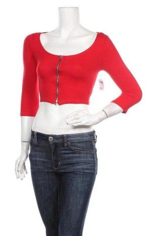 Дамска блуза Charlotte Russe, Размер S, Цвят Червен, 96% памук, 4% еластан, Цена 21,00лв.