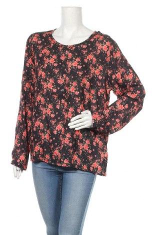 Дамска блуза Cream, Размер M, Цвят Многоцветен, Вискоза, Цена 51,62лв.