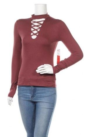 Дамска блуза Hot Kiss, Размер M, Цвят Розов, 92% полиестер, 8% еластан, Цена 24,10лв.