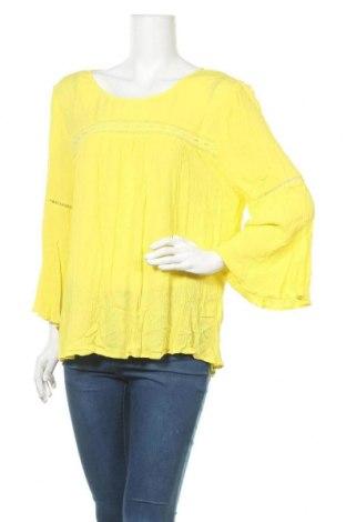 Дамска блуза Rockmans, Размер XXL, Цвят Жълт, Вискоза, Цена 18,90лв.