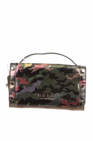 Γυναικεία τσάντα Guess, Χρώμα Πολύχρωμο, Δερματίνη, κλωστοϋφαντουργικά προϊόντα, Τιμή 84,67€