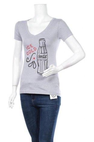 Дамска тениска Coca Cola, Размер S, Цвят Сив, 60% памук, 40% полиестер, Цена 5,88лв.