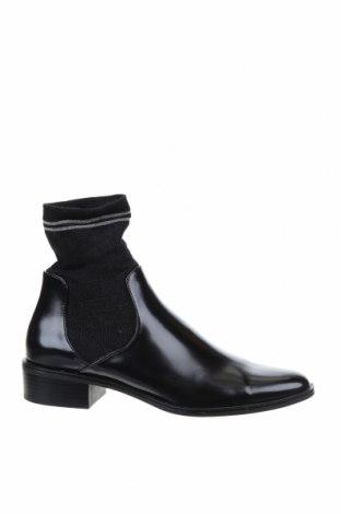 Дамски боти Zara, Размер 39, Цвят Черен, Еко кожа, текстил, Цена 34,50лв.