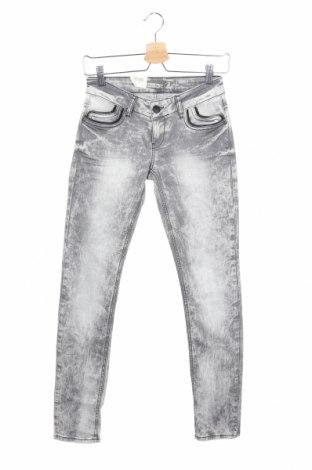 Дамски дънки Cipo & Baxx, Размер XS, Цвят Сив, 98% памук, 2% еластан, Цена 28,60лв.