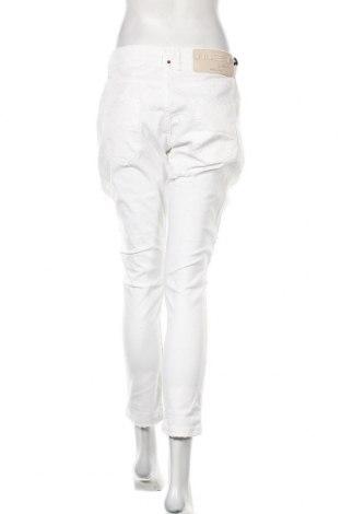 Дамски дънки Met, Размер M, Цвят Бял, 97% памук, 3% еластан, Цена 60,52лв.
