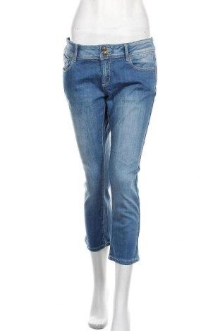Дамски дънки Promod, Размер L, Цвят Син, 99% памук, 1% еластан, Цена 24,10лв.