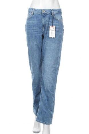 Дамски дънки S.Oliver, Размер XL, Цвят Син, 82% памук, 17% полиестер, 1% еластан, Цена 30,02лв.