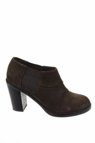 Дамски обувки Geox, Размер 37, Цвят Зелен, Естествен велур, Цена 55,50лв.