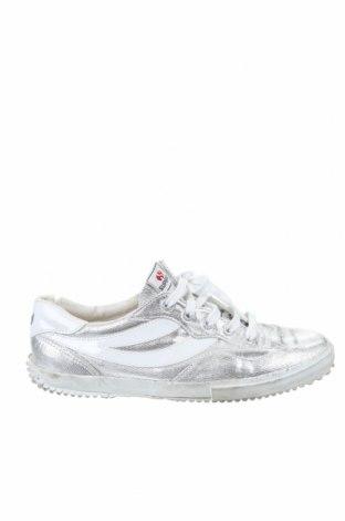 Дамски обувки Superga, Размер 40, Цвят Сребрист, Текстил, Цена 27,30лв.