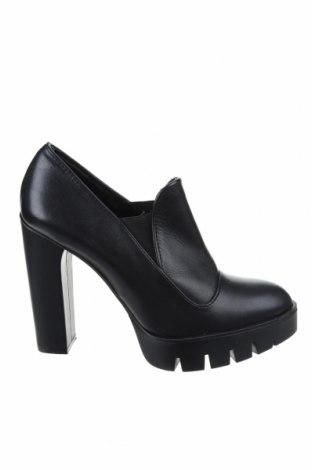 Дамски обувки Zara, Размер 41, Цвят Черен, Еко кожа, Цена 35,38лв.