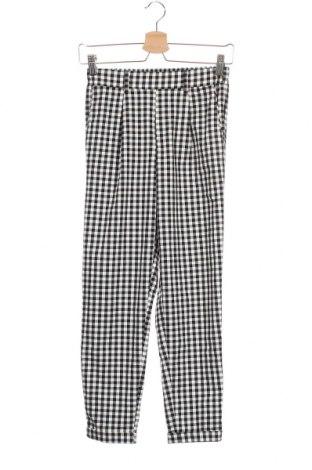 Дамски панталон Bershka, Размер XS, Цвят Черен, 62% полиестер, 33% вискоза, 5% еластан, Цена 28,35лв.