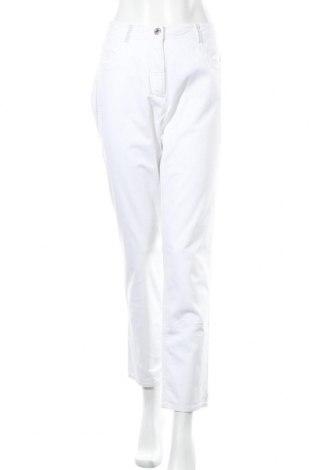 Дамски панталон Bexleys, Размер XL, Цвят Бял, 98% памук, 2% еластан, Цена 26,93лв.